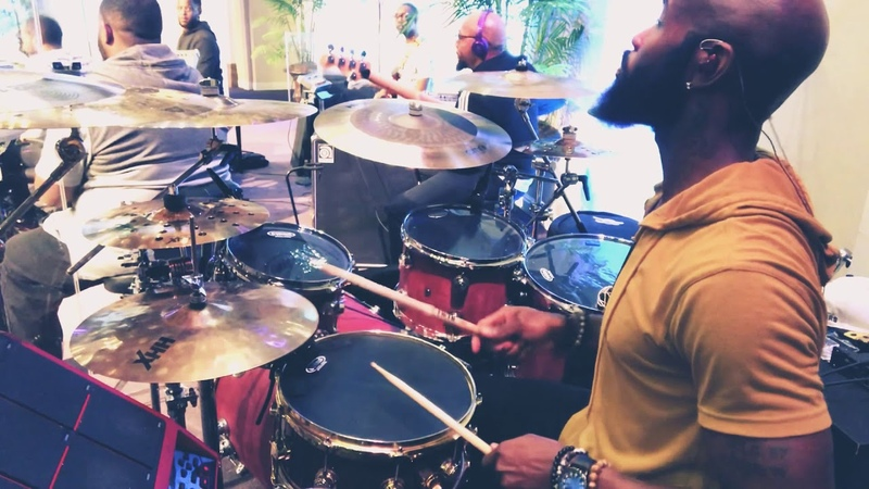Zacardi Cortez w MIKE HUNTER JR on drums!! Entering FONK NATION with Cardi!! NYE SERVICE2018!!