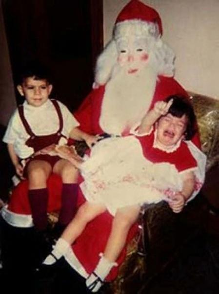 Самые страшные Деды Морозы и Санта-Клаусы прошлых лет Новый год - это праздник для всех, подарки и безудержное веселье, но не для тех детей, к которым когда-то постучался символ Нового года с