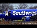 В США У Боинга в воздухе взорвался двигатель пассажирку засосало в иллюминатор
