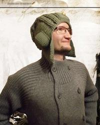 Весёлая шапка-ушанка для настоящего танкиста.  Объемные наушники и налобник, рельефная тулья, очень плотная...