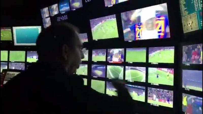 TV director (Barca - PSG)