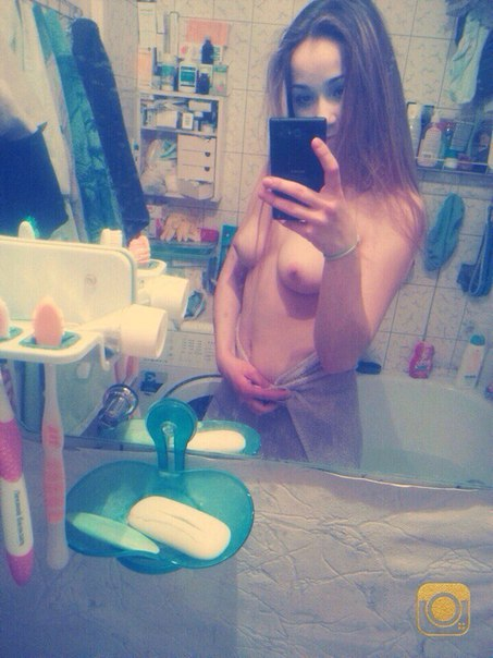 Sexy girls nude in mirror - Real Naked Girls