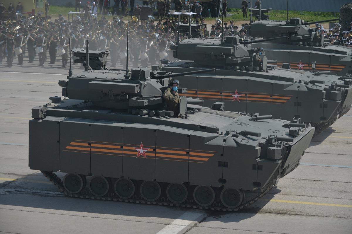الدفاع الروسية تنشر صورا للعرض العسكري التجريبي الخاص باحتفالات عيد النصر 4R8ioGWO8zY