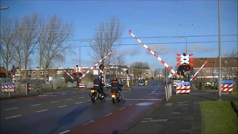 Spoorwegovergang Zandvoort aan Zee Dutch railroad crossing