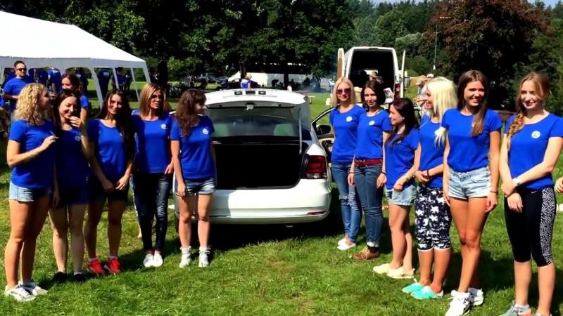 Вместимость Volkswagen Polo в девушках. Тест
