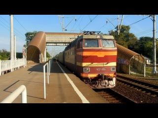 Электровоз ЧС2Т-954 с поездом №212 (Москва → Мурманск)