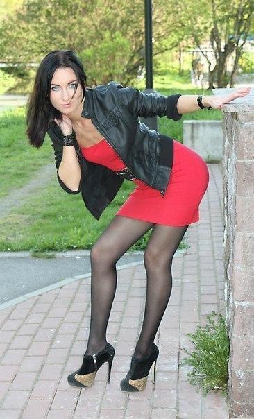 Красивые девушки в мини юбках фото подборка № 19