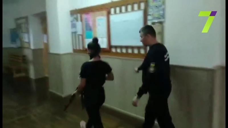 Одесских школьников обучают правилам поведения во время терактов (видео)
