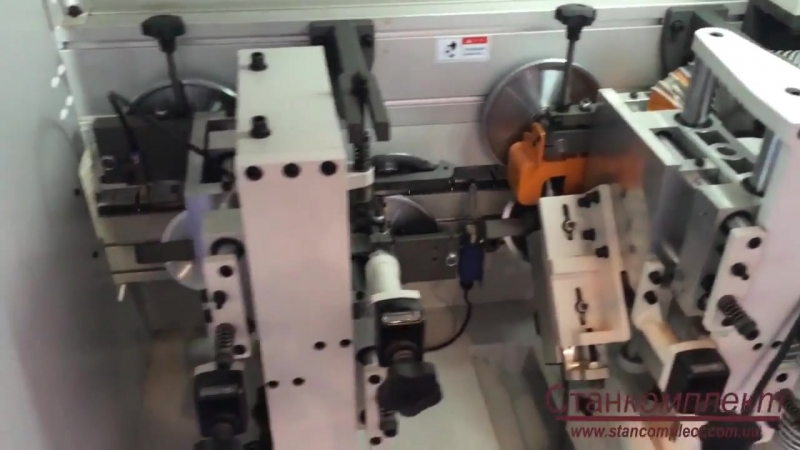 Кромкооблицовочный станок WDX-328HL с пазовальным узлом
