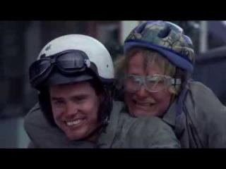 Отрывок из фильма (Тупой и еще тупее) едут на мопеде