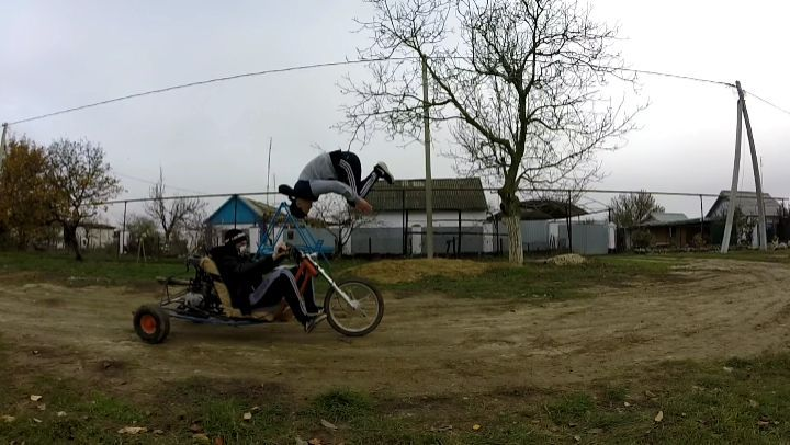 "Александр Бельтюков on Instagram ""New video.😎 Flip🐒 across mini-moped. 🏍 together with @kozyrchiko 🙃🦁 | GoPro amazing awesome freerunning fre..."