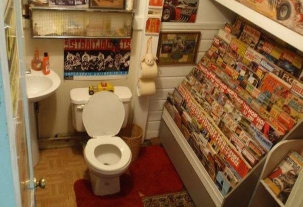 Что в туалете люди читают