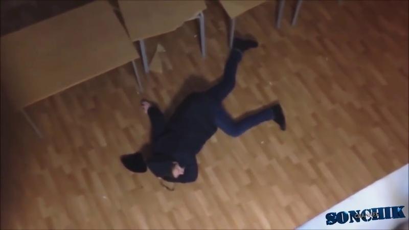 Андрюша немножко упал) ДЕБИЛ 80 ЛвЛ
