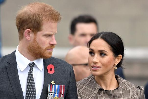 Принц Гарри хочет помешать создателям «Короны» экранизировать его жизнь в сериале Герцог беспокоится, что сюжет дойдет до наших дней и в сериале покажут его и Меган Маркл. Принц Гарри в шутку