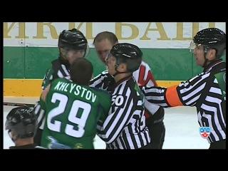 Драка КХЛ : Хлыстов vs Бадюков / KHL Fight: KHLystov smashes Badyukov's face