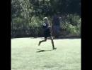 Vídeo de Justin Bieber visto jogando futebol hoje em Los Angeles CA