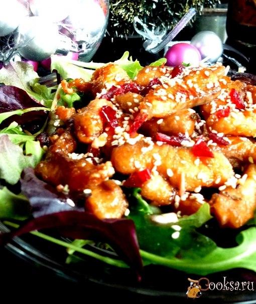 Очень вкусный и легкий салат с азиатскими нотками. Вкус настолько разноплановый,но в то же время настолько гармоничный, что невозможно описать - попробуйте,вам понравится!