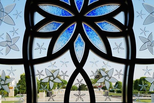 Витраж в мусульманской мечети