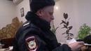 Ёров Каримджон в кафе Сказочный двор ,м Киевская доказывает неправоту полицейских.
