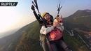 С корги на параплане: в Китае экстремалы покоряют небо вместе со своими собаками