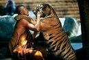 Настанет время, когда человечество будет гуманным к каждому существу, которое дышит.