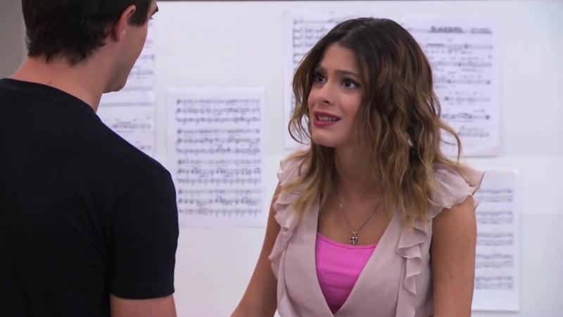 Violetta - Vilu canta ¨En mi mundo¨ en inglés (Temp 2 - Ep 22)