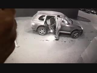 В Ростове-на-Дону момент доставки жертв перестрелки в больницу попал на видео