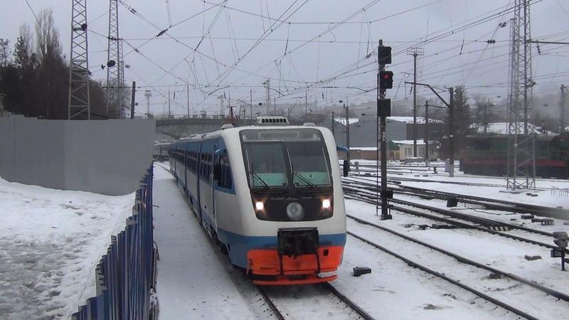 Рельсовый автобус РА2-042, электровоз ЭП1М