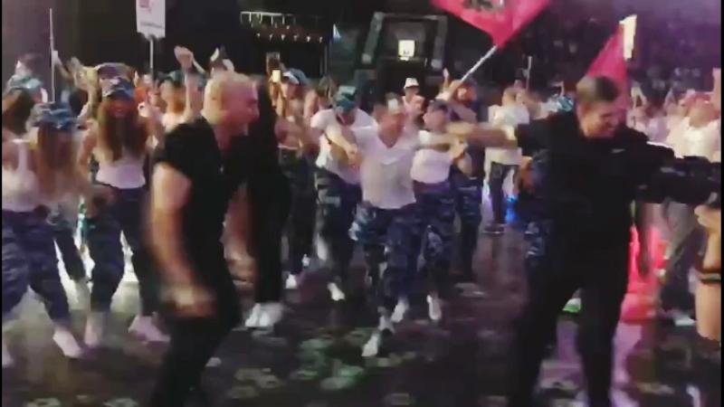 танцы зож спорт культура колбасеры патимейкер party partymaker уличныйдэнсер танцордиско стартин страртин2018 Кудрявый Макс