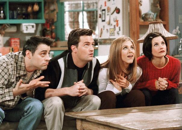 """Сериал """"Друзья"""": 10 моментов, которые сегодня вызвали бы скандал"""