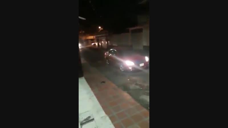 Венесуэльские военные стянули технику к н.п. Сан Антонио дель Тачира на границе с Колумбией