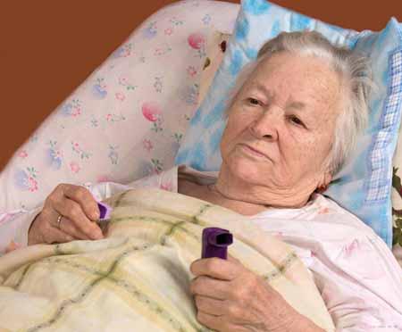 Люди, страдающие от пневмонии, могут испытывать серьезную одышку.