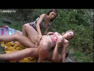 В лесу трахаются (секс порно домашнее любительское home porn sex) 18