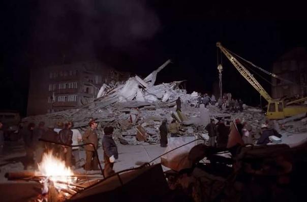День памяти.  В Армении произошло страшное землетрясение 7декабря 1988 г.