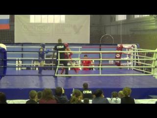 Каминский Артём (синий) финал Кубка консульства королевства Таиланд по тайскому боксу.