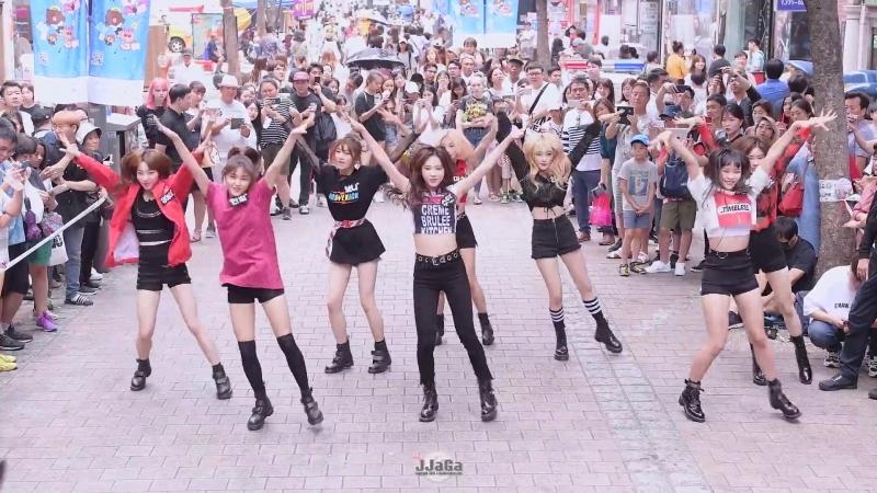 180728 Dreamnote - TWICE 'Like Ooh-Ahh' Red Velvet ' Red Flavor' @ Myeongdong Street Buksing