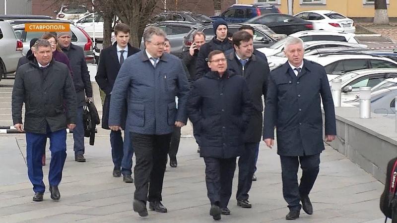 Реализацию на Ставрополье федеральных программ оценил министр строительства и ЖКХ РФ Владимир Якушев