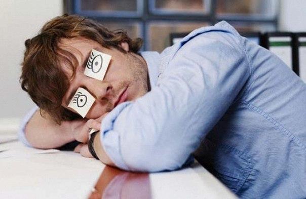 Как научиться засыпать за 1 минуту: метод Эндрю ВейлаДумаю, многим б