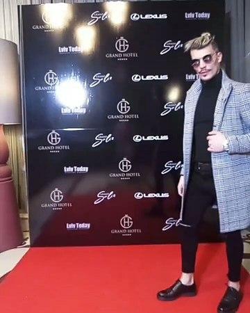 "Влад Литвиненко on Instagram: ""Nice moment😎 perfect lvov hollywood moscow владлитвиненко style interesting haircolor hairstyle beard loo..."