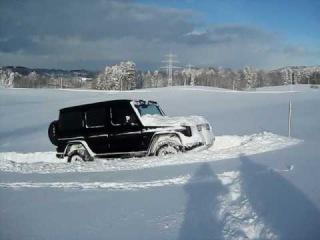Mercedes G im Schnee - Powder Snow off road
