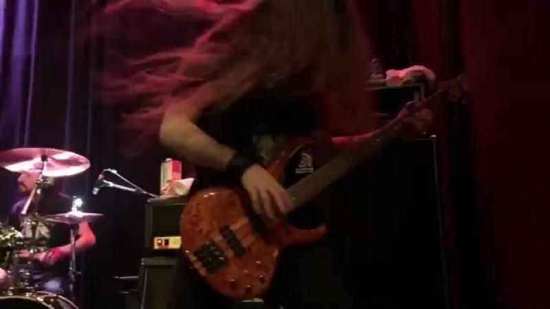 Amazing Bass Guitar Player! 🤘🔥🤘