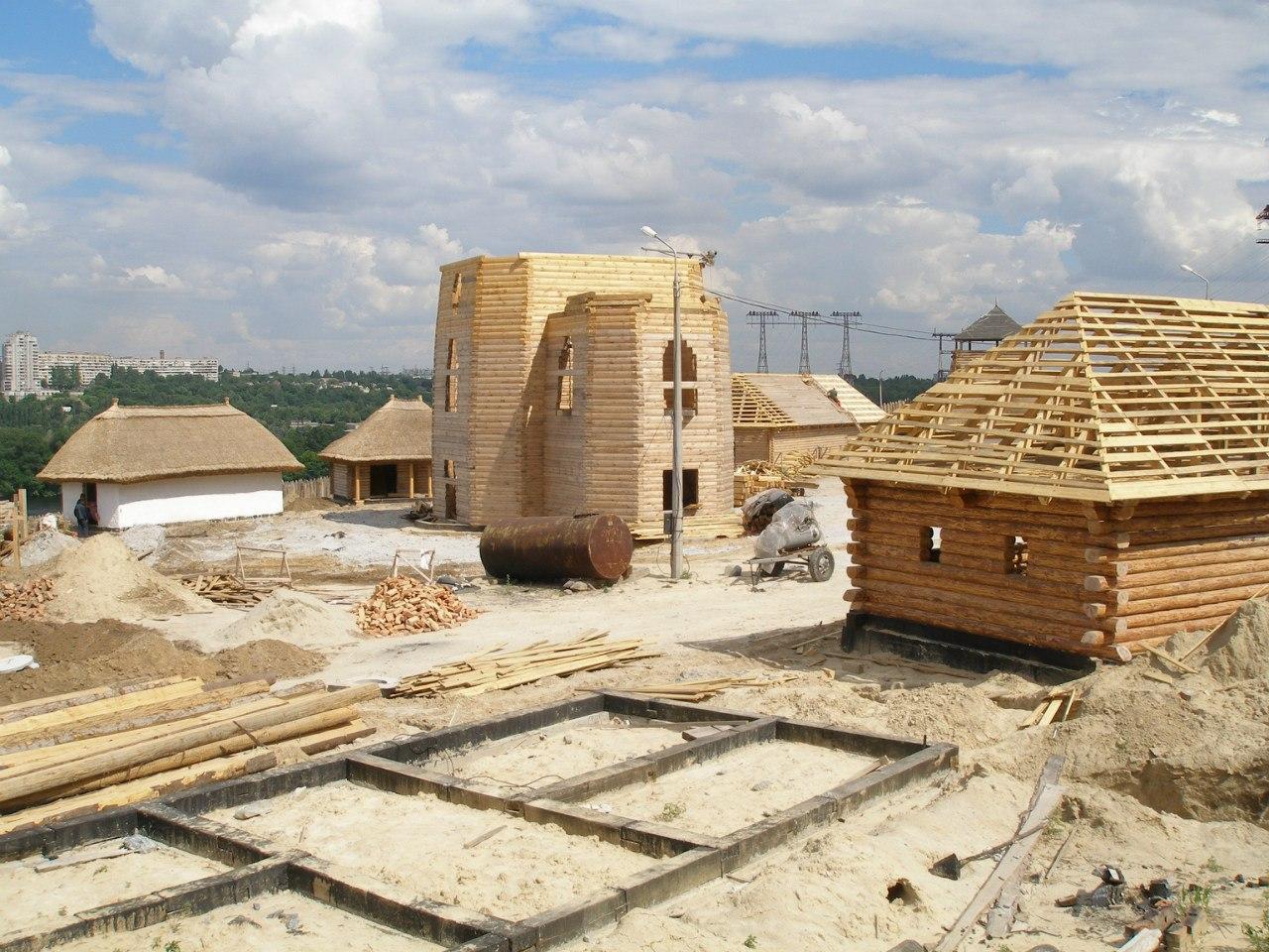 Опубликованы редкие фото строительства Запорожской Сечи (ФОТО)