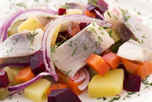 Салат с селёдкой фото