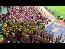 Сенегальцы танцуют и радуются под бой барабанов после первого гола в ворота сборной Польши