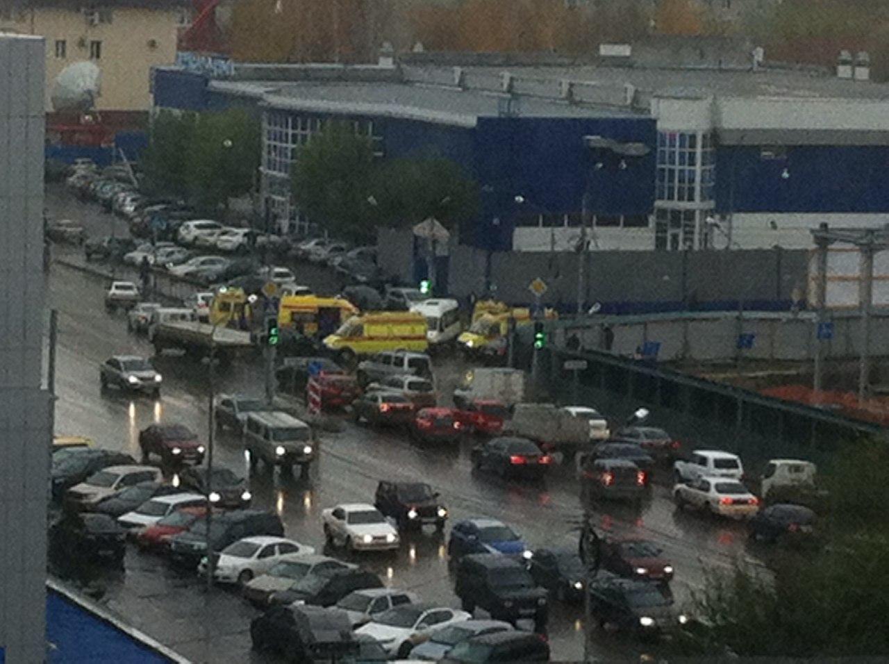В аварии у рынка Пригородного пострадали 7 пассажиров маршрутки 2