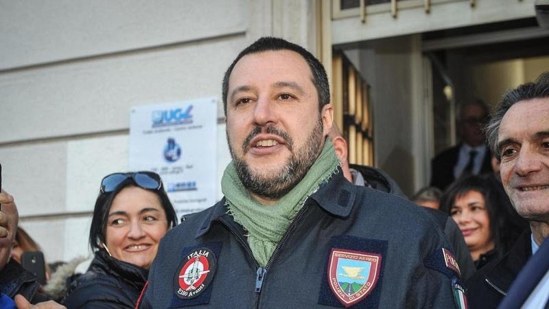 Cesare Battisti Matteo Salvini Grazie a Bolsonaro pacchia finita Ora la galera