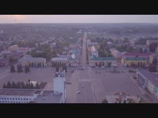 Площадь Ленина во Мценске на закате летом