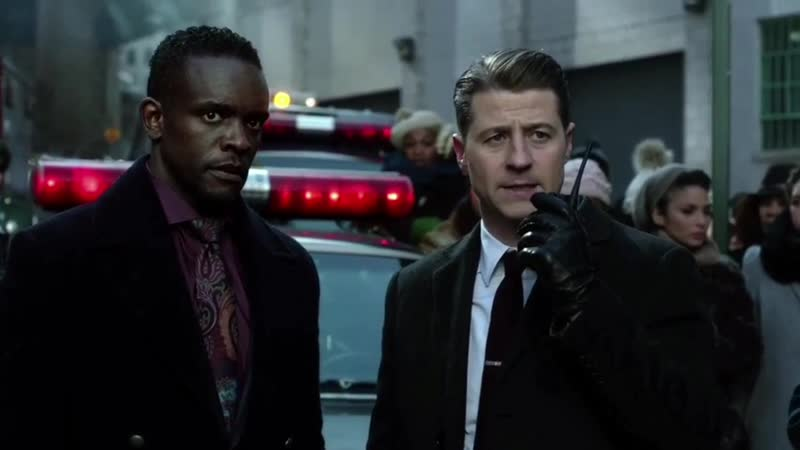 GOTHAM • SEASON 4x18• Bruce Jeremiah forced by Jerome on the music festival