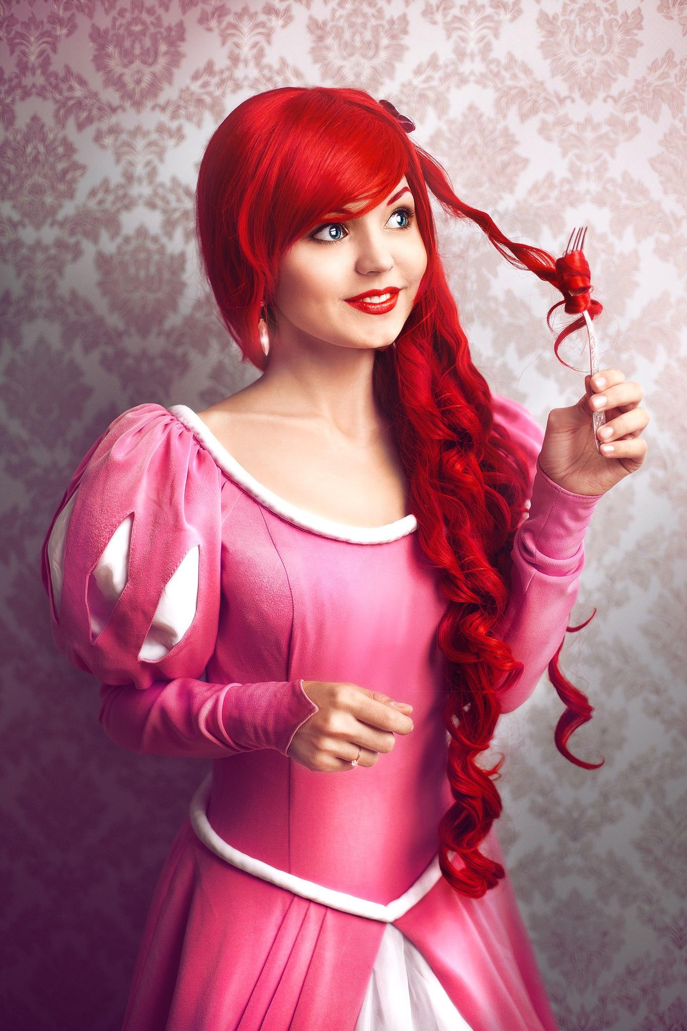 little Mermaid. Character: Ariel. Version: Salón Pink dress ...