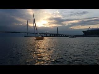 Наши яхты на вечерней тренировке.